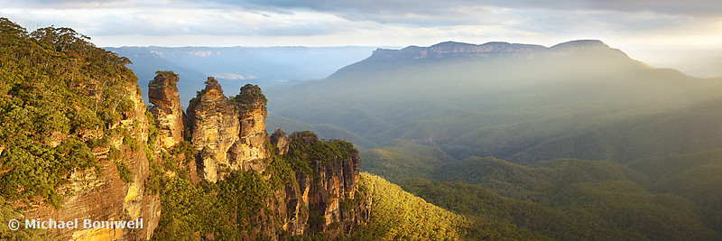 Three Sisters Sunset, Blue Mountains, New South Wales, Australia