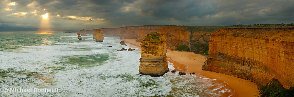 Stormy Twelve Apostles, Great Ocean Road, Victoria, Australia