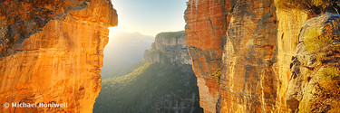 Between Cliffs, Blue Mountains, New South Wales, Australia