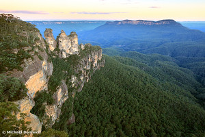 Three Sisters Twilight, Blue Mountains, New South Wales, Australia
