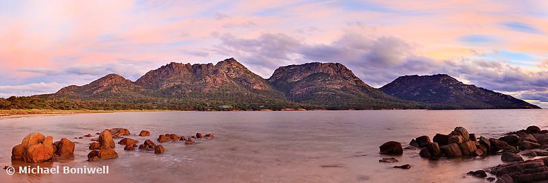 Coles Bay, Freycinet National Park, Tasmania, Australia