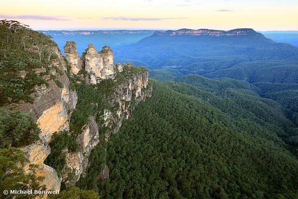 Three Sisters Twilight, Blue Mountains, New South Wales, Australia