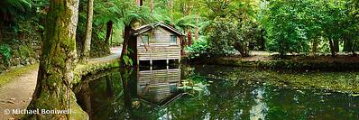 Boathouse, Alfred Nicholas Gardens, Melbourne, Victoria, Australia