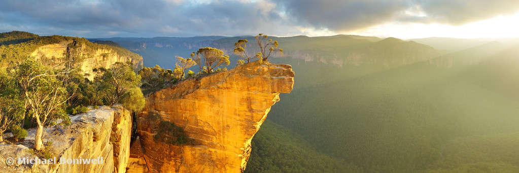 Hanging Rock, Blue Mountains, New South Wales, Australia