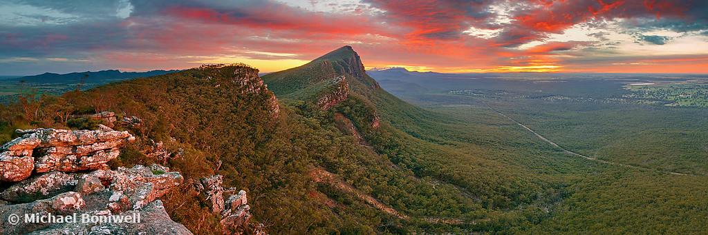 Dawn over Signal Peak, Grampians, Victoria, Australia